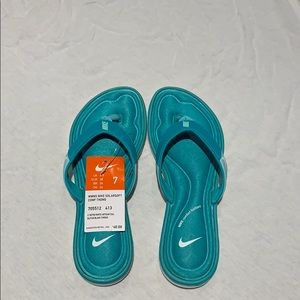Women's Nike Solarsoft comfort thong